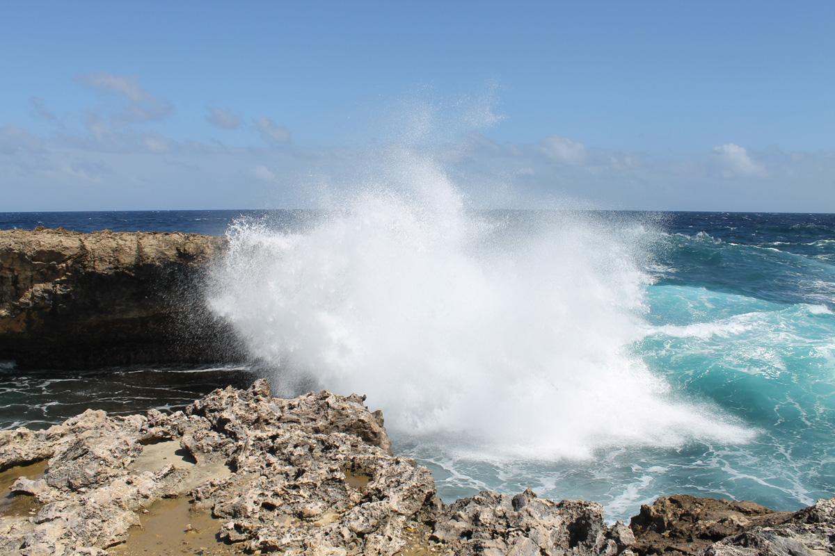 Wahnsinns-Brandung an der Nordküste von Curacao